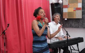 DébaDuo chante pour la Paix